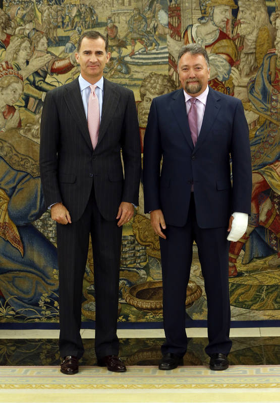 El diputado de Foro Asturias, Isidro Martínez Oblanca, con el rey en la Zarzuela