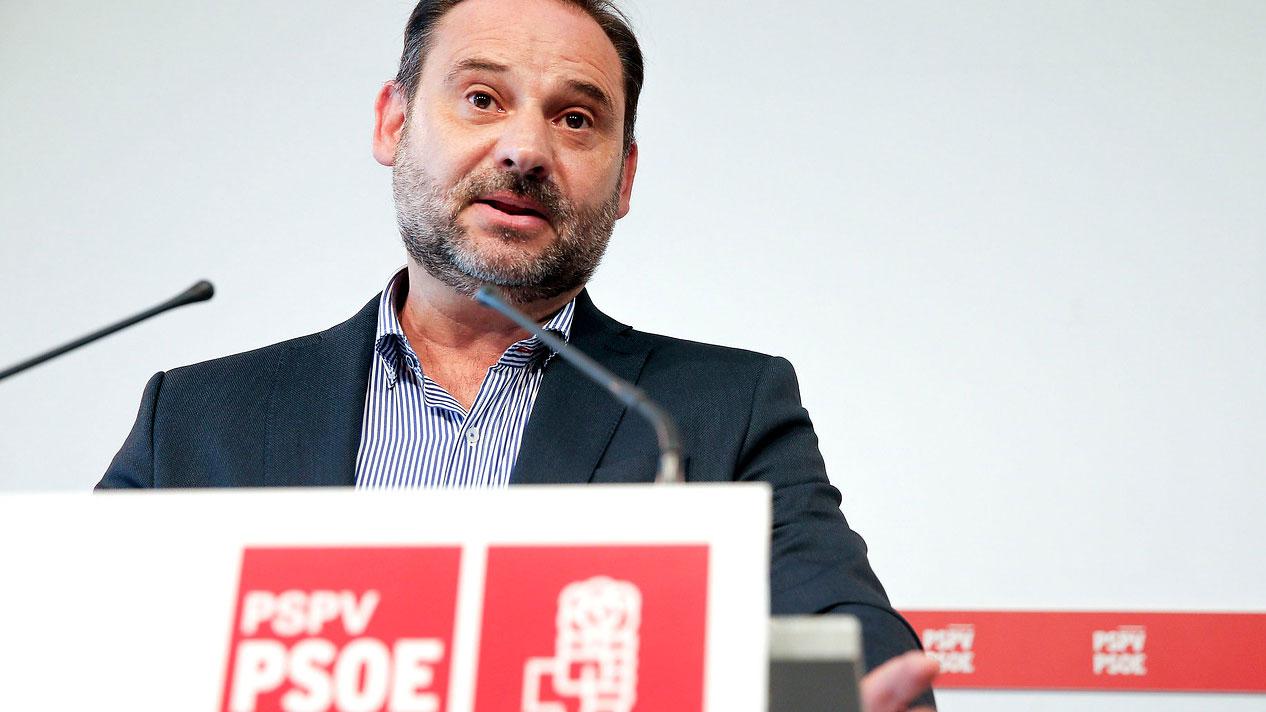 La dirección del PSOE considera una mera hipótesis de futuro un pacto de gobierno entre Sánchez e Iglesias