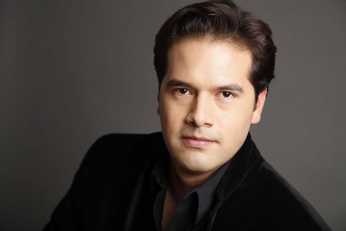 El director Robert Treviño