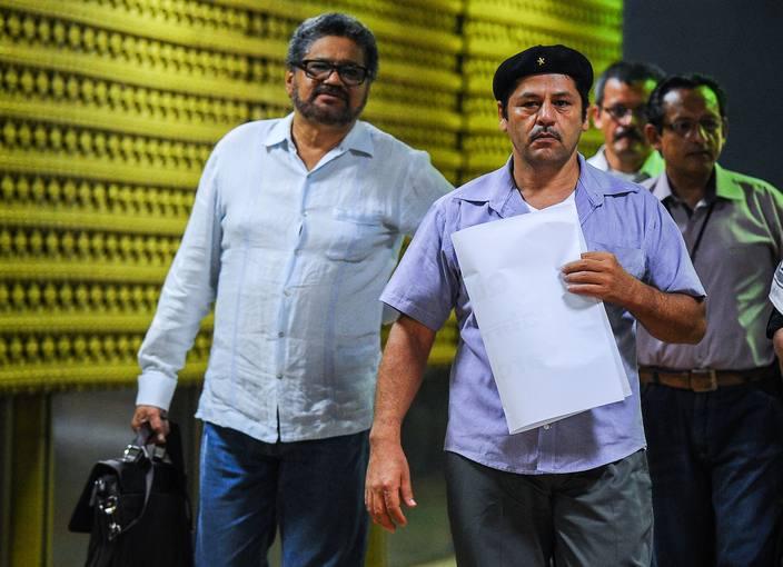 Los dirigentes de las FARC Iván Marquez y Edilson Romana