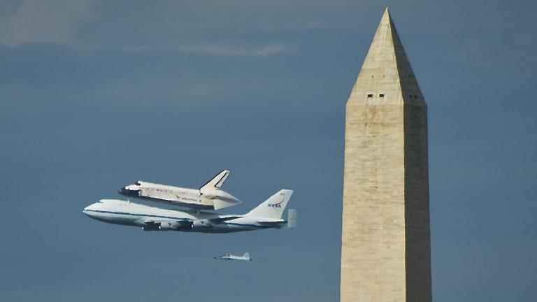 El Discovery: a lomos de un Boeing rumbo a un museo