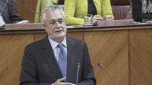 Griñán centra su discurso de investidura en torno a la crisis y las políticas sociales