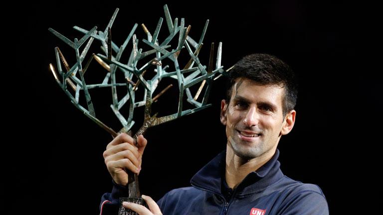 Djokovic revalida su corona en París ante Raonic