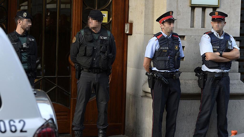 Doce detenidos, entre ellos el 'número dos' de Junqueras, en una operación de la Guardia Civil contra el 1-O