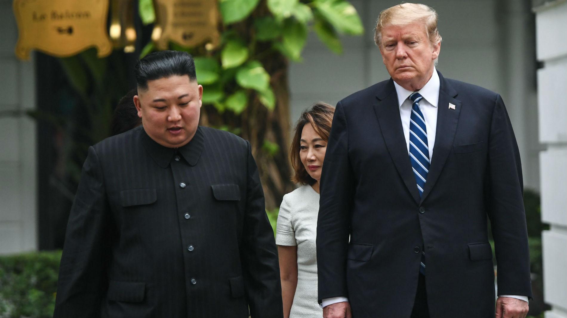 Ir al VideoDonald Trump y Kim Jong-un terminan abruptamente y sin acuerdo su segunda cumbre en Vietnam