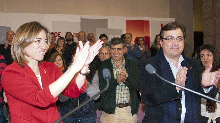 Rubalcaba y Chacón apuran las horas para convencer al mayor número de delegados