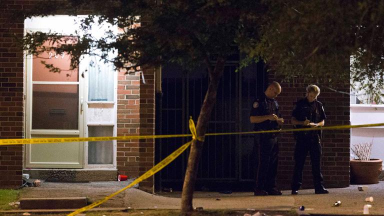 Dos muertos y una veintena de heridos en un tiroteo en la ciudad canadiense de Toronto