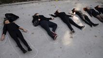 Ir al VideoDos mujeres asesinadas y se investiga la muerte de una tercera en presuntos casos de violencia machista