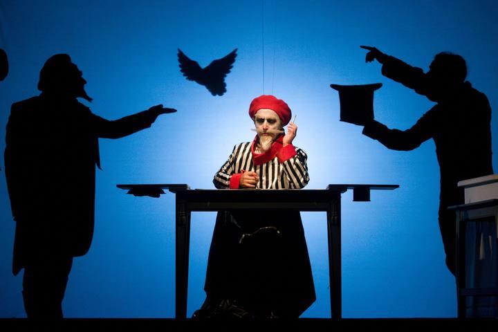 """Drak Theatre, imágenes de la obra """"El último truco de Georges Méliès"""""""