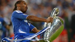 Drogba eclipsa a los españoles del Chelsea