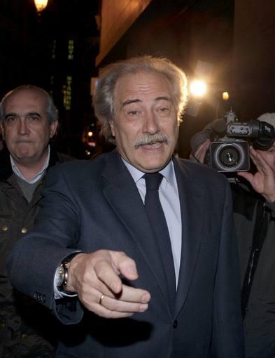 DURAS SANCIONES E INHABILITACIÓN AL PRESIDENTE Y AL DIRECTOR GENERAL DE CCM