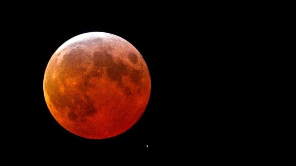 A que horas es el eclipse de hoy for Que luna hay esta noche