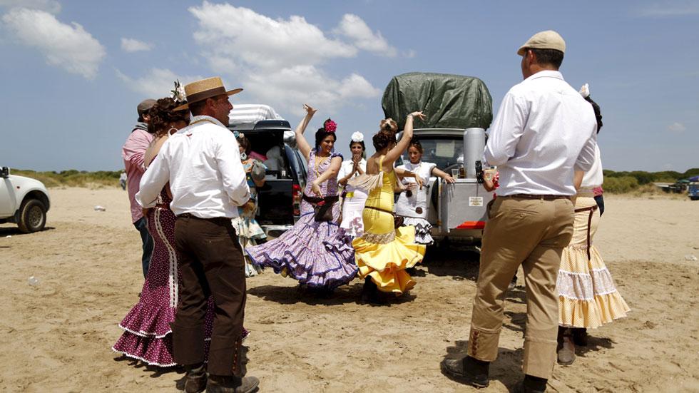 Los ecologistas piden la prohibición de los vehículos a motor en el camino del Rocío