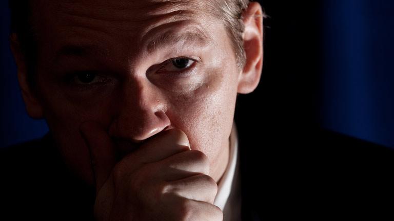 Ecuador otorga asilo político al fundador de Wikileaks, Julian Assange