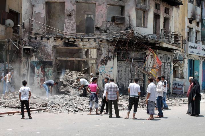 Edificio dañado por los bombardeos de los hutíes en Adén, Yemen