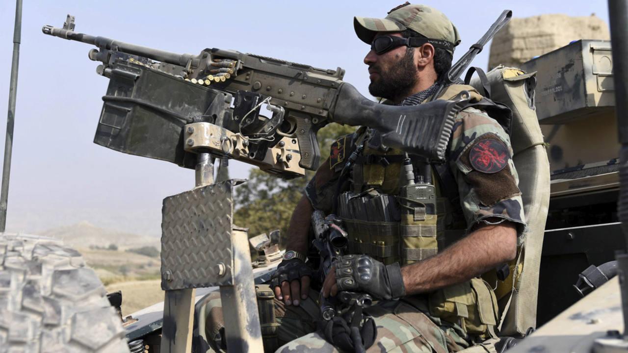 Un efectivo de las Fuerzas de Seguridad afganas