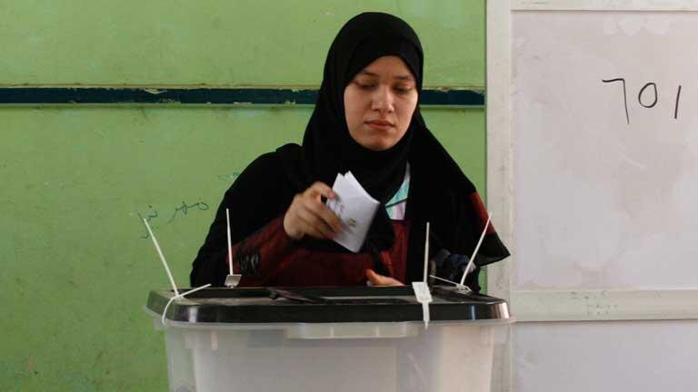 Participación masiva de los egipcios en los comicios electorales en democracia