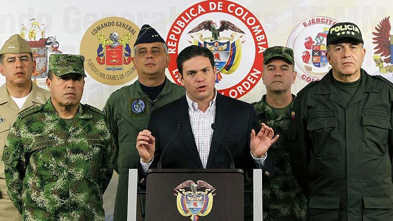 El Ejército de Colombia halla un rehén vivo tras el fusilamiento de cuatro secuestrados por las FARC
