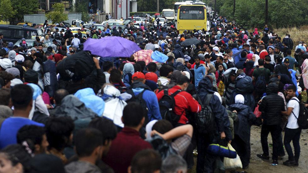 El Ejército húngaro se prepara para cerrar la frontera a refugiados y migrantes