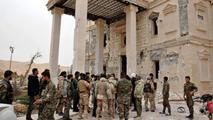 Ir al VideoEl Ejército sirio arrebata al EI el control de antigua ciudadela de Palmira