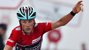 Elissonde gana la etapa y Horner la Vuelta en el Angliru