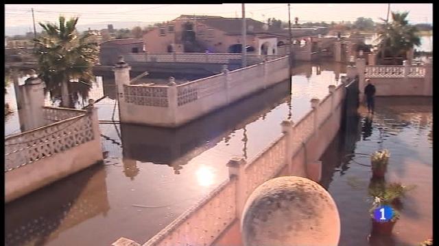 Els veïns de Sa Casa Blanca duen gairebé un mes i mig amb les cases inundades
