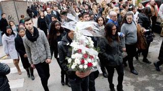 Emoción y lágrimas en Fuensalida que ha despedido a las tres niñas que murieron atropelladas