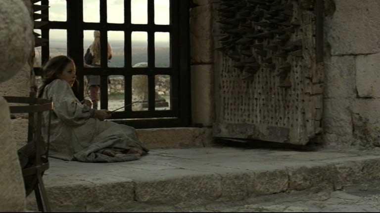 Isabel - Encierran a Juana en el Castillo de La Mota