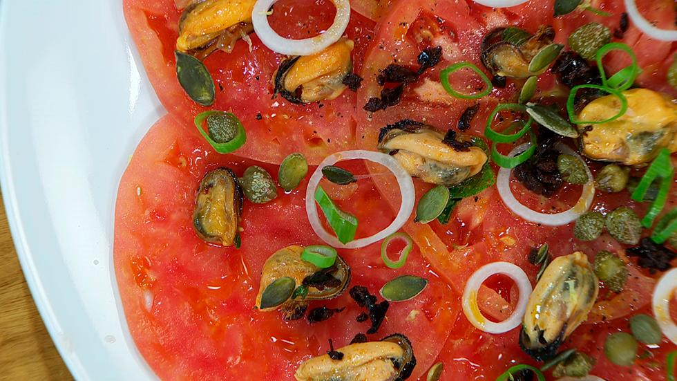 Torres en la cocina - Ensalada de tomate y mejillones