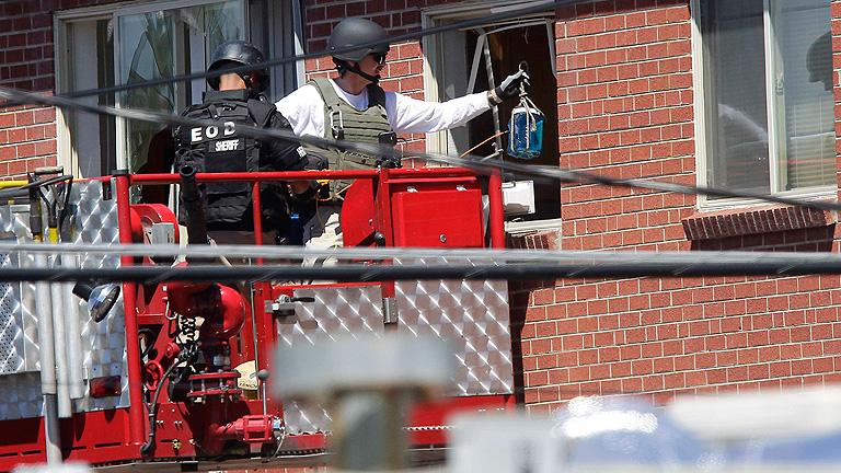 Detonación controlada en la casa del presunto asesino de Denver