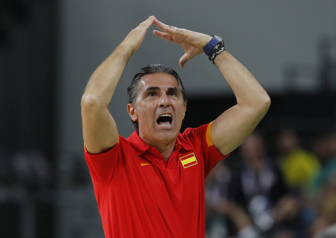 El entrenador de España, Sergio Scarioli, durante un partido de la selección.