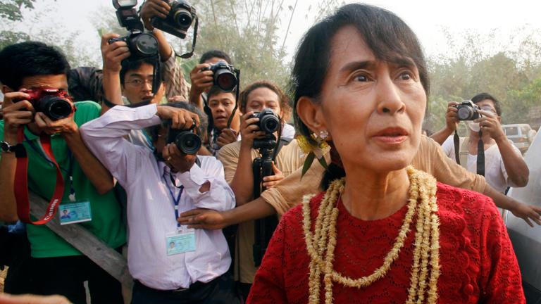 Aung Sang Suu Kyi consigue un escaño histórico en las elecciones birmanas