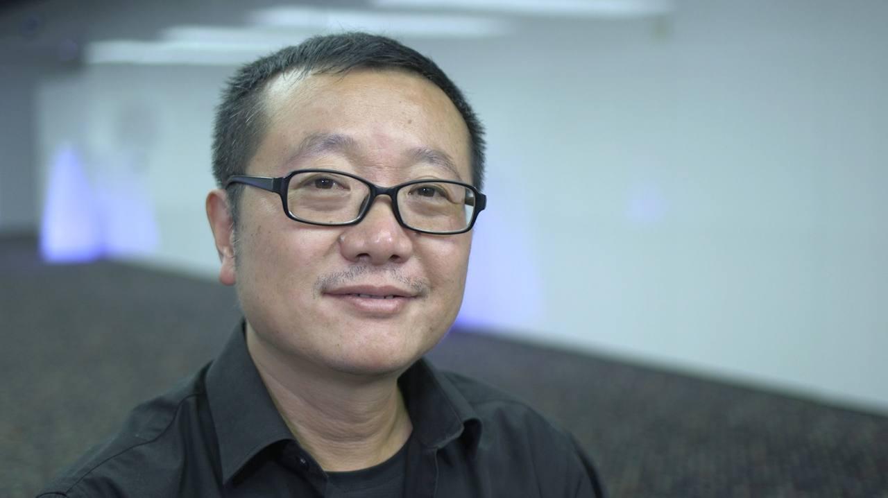 El escritor chino Cixin Liu nos habló de aquellos elementos que alejan este libro de los cánones más tradicionales de la ciencia ficción anglosajona