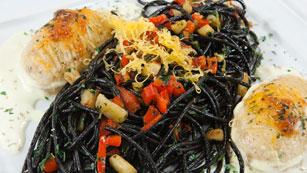 Saber Cocinar - Espaguetis con sepia, espinacas y patatas gratinadas