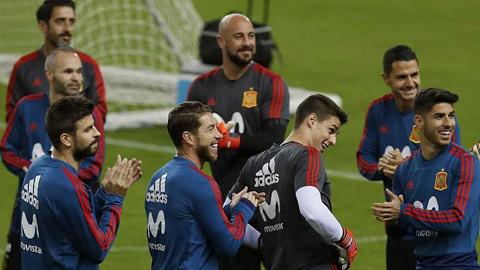 Ir al VideoEspaña disputa ante Rusia su último partido de 2017