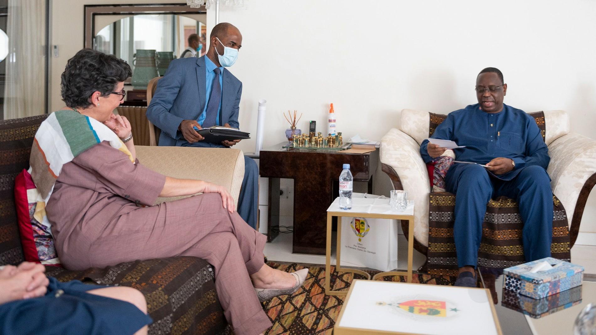 Ir al VideoEspaña firma un convenio de cooperación con Senegal para reforzar la migración regular y luchar contra las redes de tráfico de personas