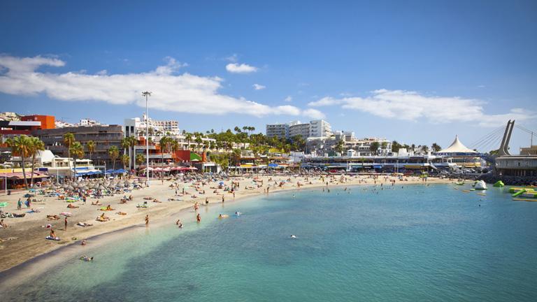 España recibe la cifra récord de 28 millones de turistas hasta junio, un 7,3% más que en 2013