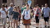 Ir al VideoEspaña recibe más de 9 millones de turistas internacionales en agosto, casi 300.000 al día
