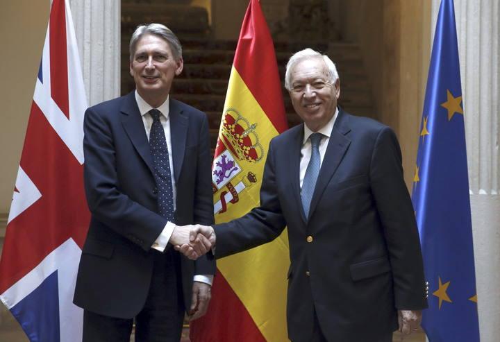 """España y Reino Unido constatan """"avances"""" en la preparación de grupos de trabajo sobre Gibraltar"""