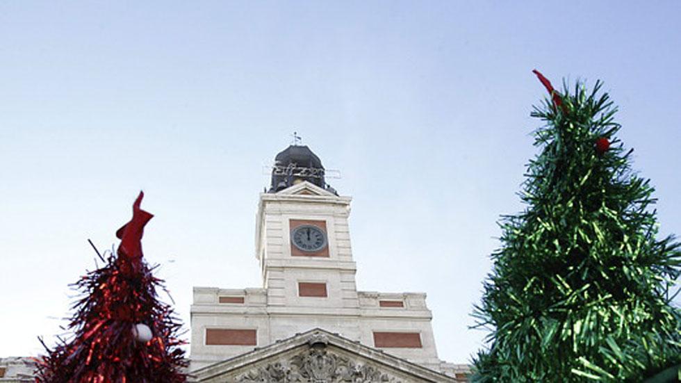 Espa a se prepara para recibir el 2015 con las campanadas for Puerta de sol en directo