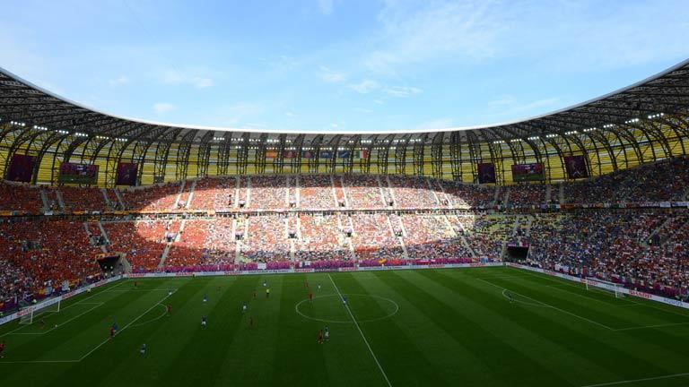 España se queja a la UEFA del césped del Gdansk Arena