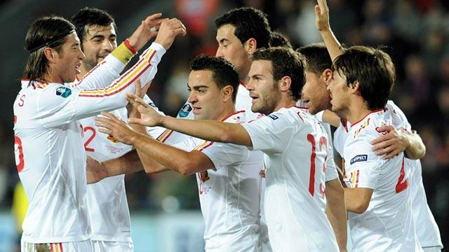 España vence a la República Checa