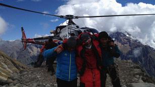 Un español entre los muertos tras un alud en el Himalaya nepalí