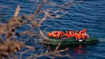 Ir al VideoUna española llega a Lesbos en patera procedente de Turquía