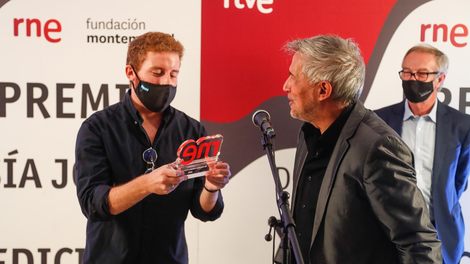 Ir al VideoEspeciales RNE - Ceremonia de entrega del XII Premio de Poesía Joven RNE y Fundación Montemadrid