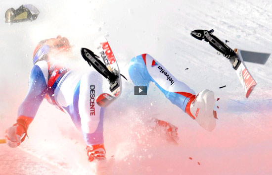 Espeluznante caída de un esquiador