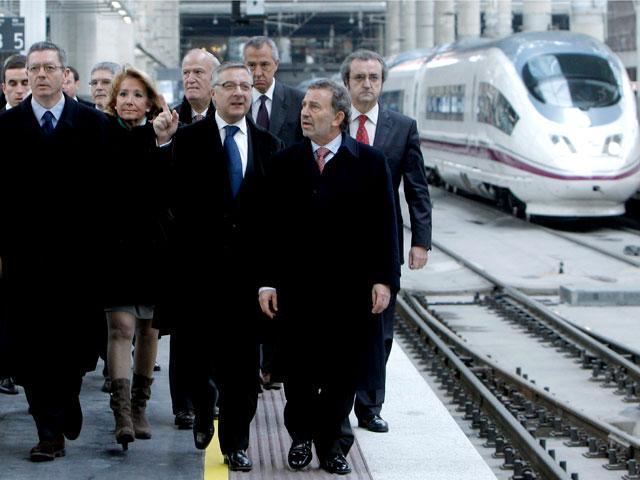 La estaci n de trenes de atocha en madrid tiene nueva for Oficina de empleo atocha