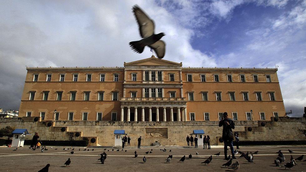 Eurogrupo, BCE y FMI aceptan la lista de reformas de Grecia y prorrogan cuatro meses el préstamo