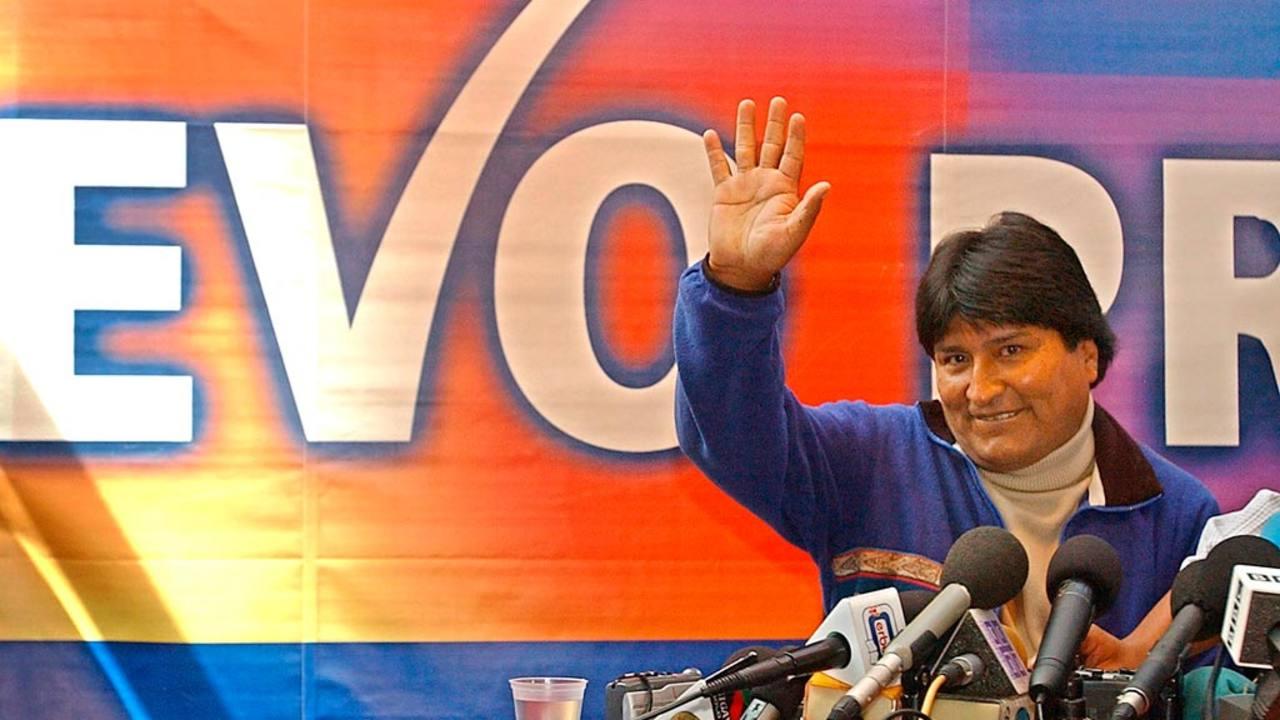 Evo Morales, tras ganas los comicios en 2005