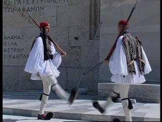 Los 'evzones' griegos celebran la independencia